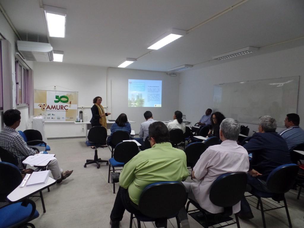 INI apresenta o Programa Cidades Sustentéveis em reunião do Comitê Produtores de Água do Sul da Bahia. Foto: Tacila Mendes (ASCOM)